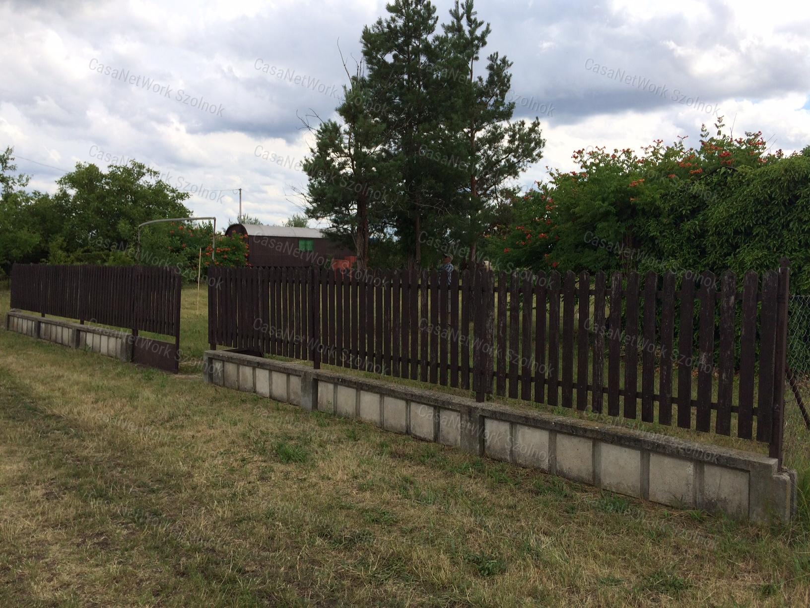 Eladó zártkert, Jász-Nagykun-Szolnok megye, Tószeg - sz.: 155802425 - CasaNetWork.hu