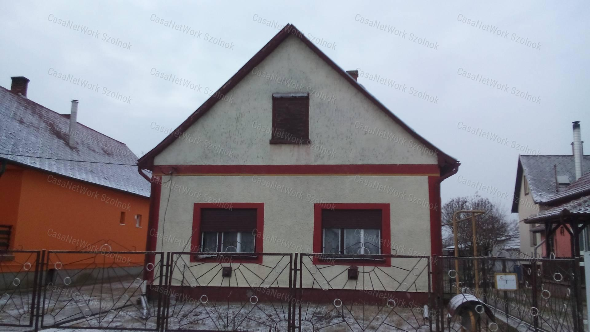 Eladó családi ház, Jász-Nagykun-Szolnok megye, Tiszaföldvár - sz.: 155802512 - CasaNetWork.hu