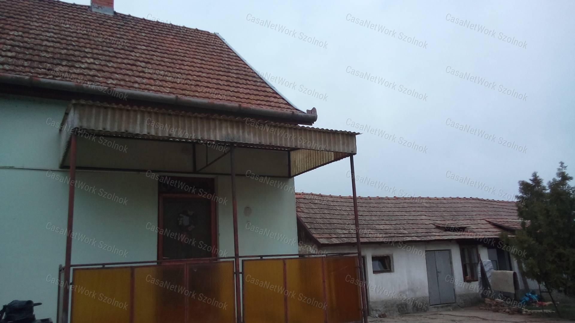 Eladó családi ház, Jász-Nagykun-Szolnok megye, Kengyel - sz.: 155802692 - CasaNetWork.hu