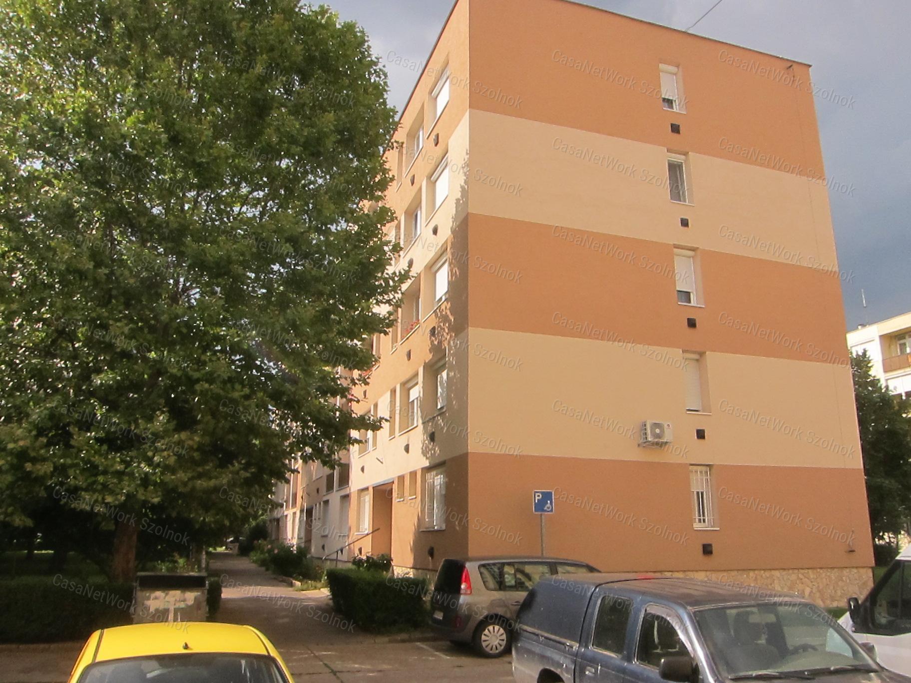 Eladó téglalakás, Jász-Nagykun-Szolnok megye, Szolnok (Vasútállomás környéke) - sz.: 155802991 - CasaNetWork.hu