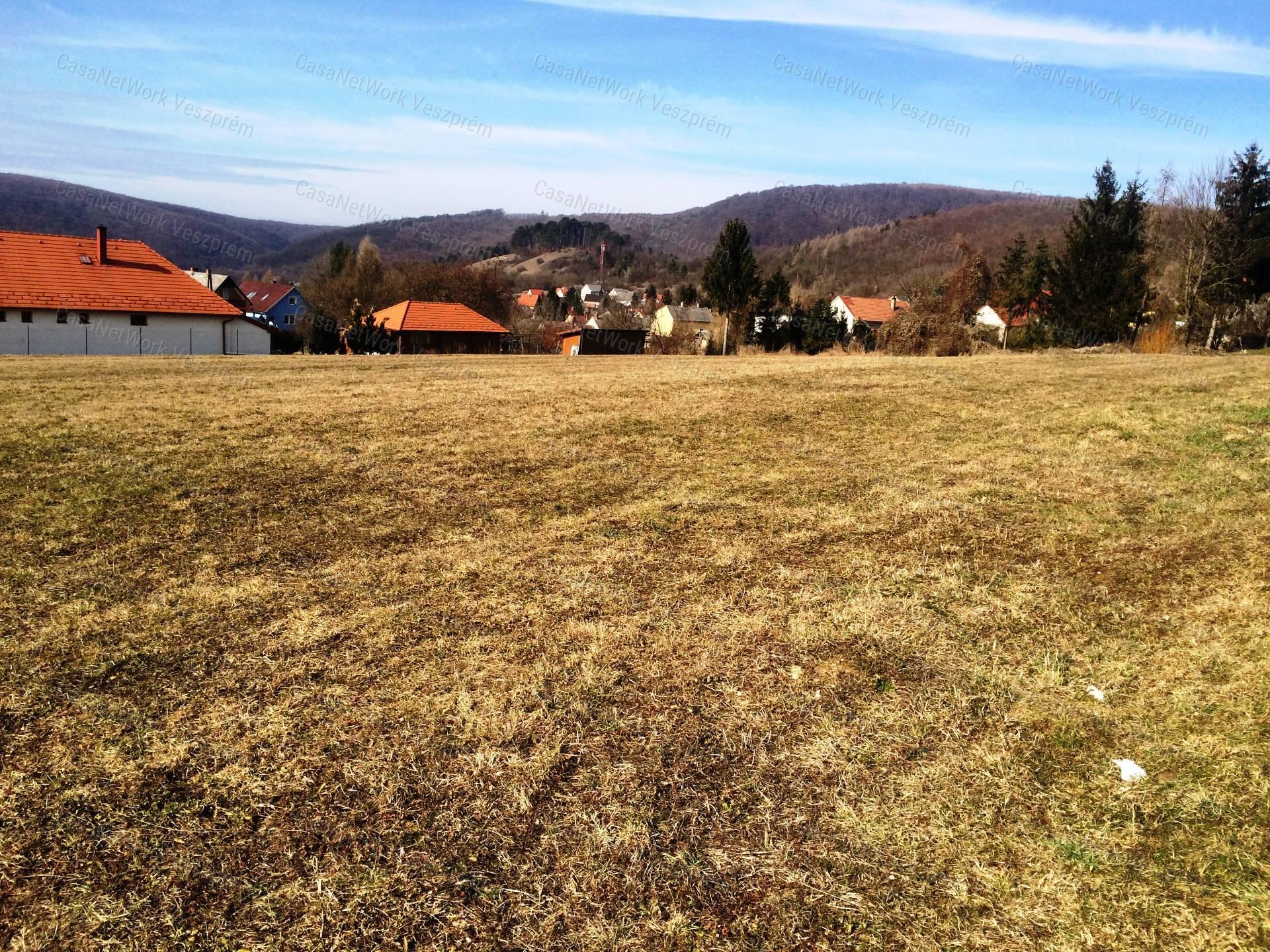 Eladó építési telek, Veszprém megye, Bakonybél - sz.: 156201155 - CasaNetWork.hu