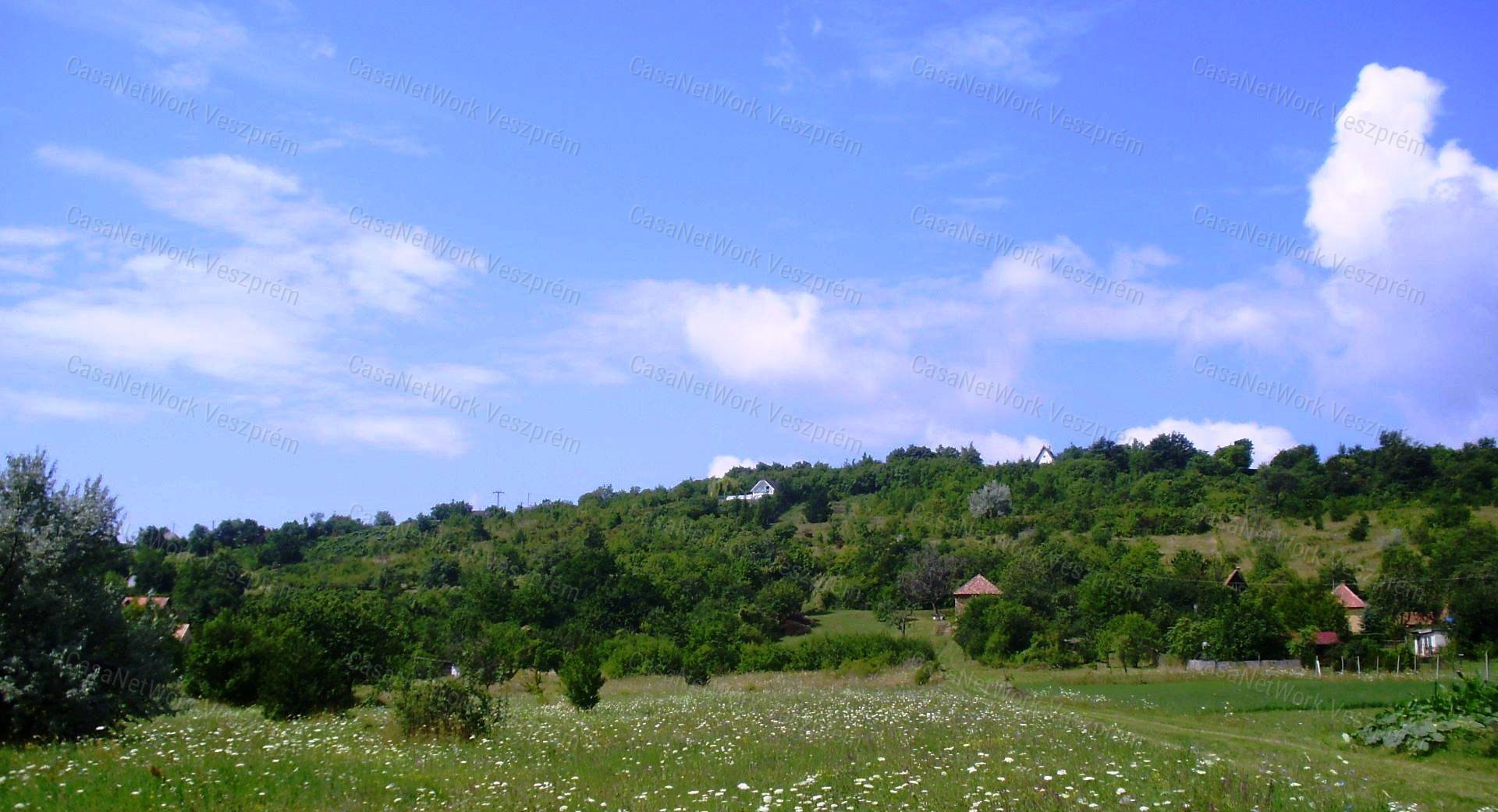 Eladó zártkert, Veszprém megye, Szentkirályszabadja (Vödörvölgy) - sz.: 156201156 - CasaNetWork.hu