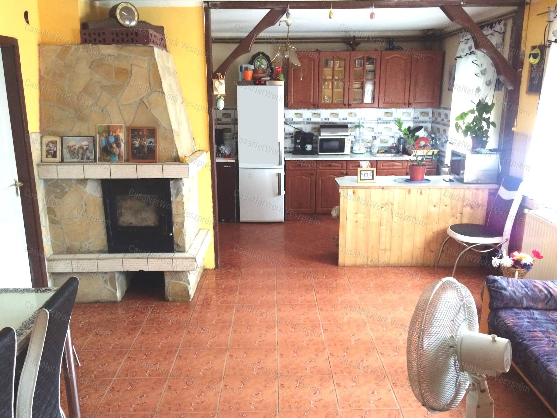 Eladó családi ház, Veszprém megye, Berhida - sz.: 156201250 - CasaNetWork.hu