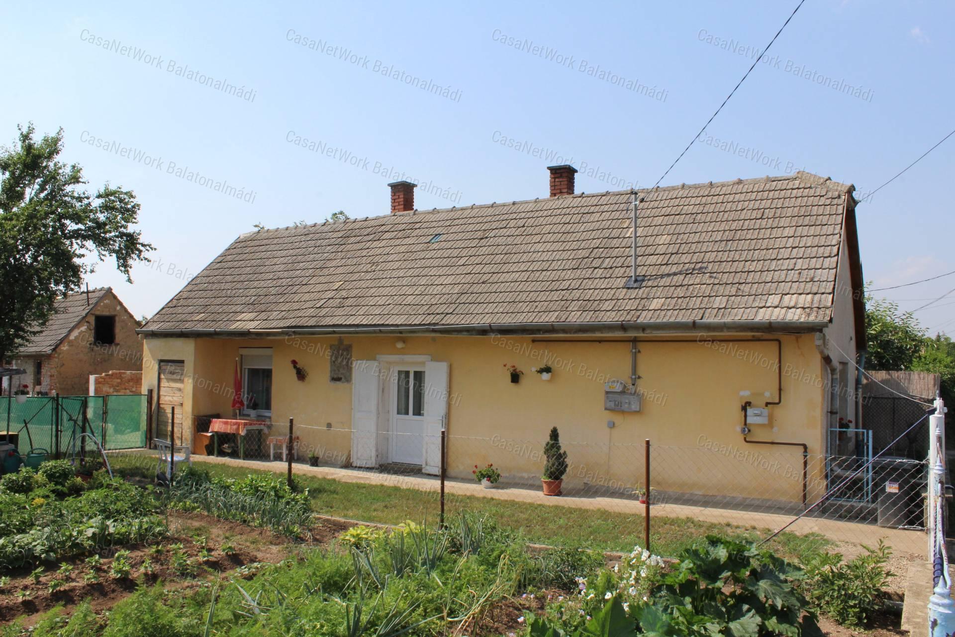 Eladó családi ház, Veszprém megye, Berhida - sz.: 163700904 - CasaNetWork.hu
