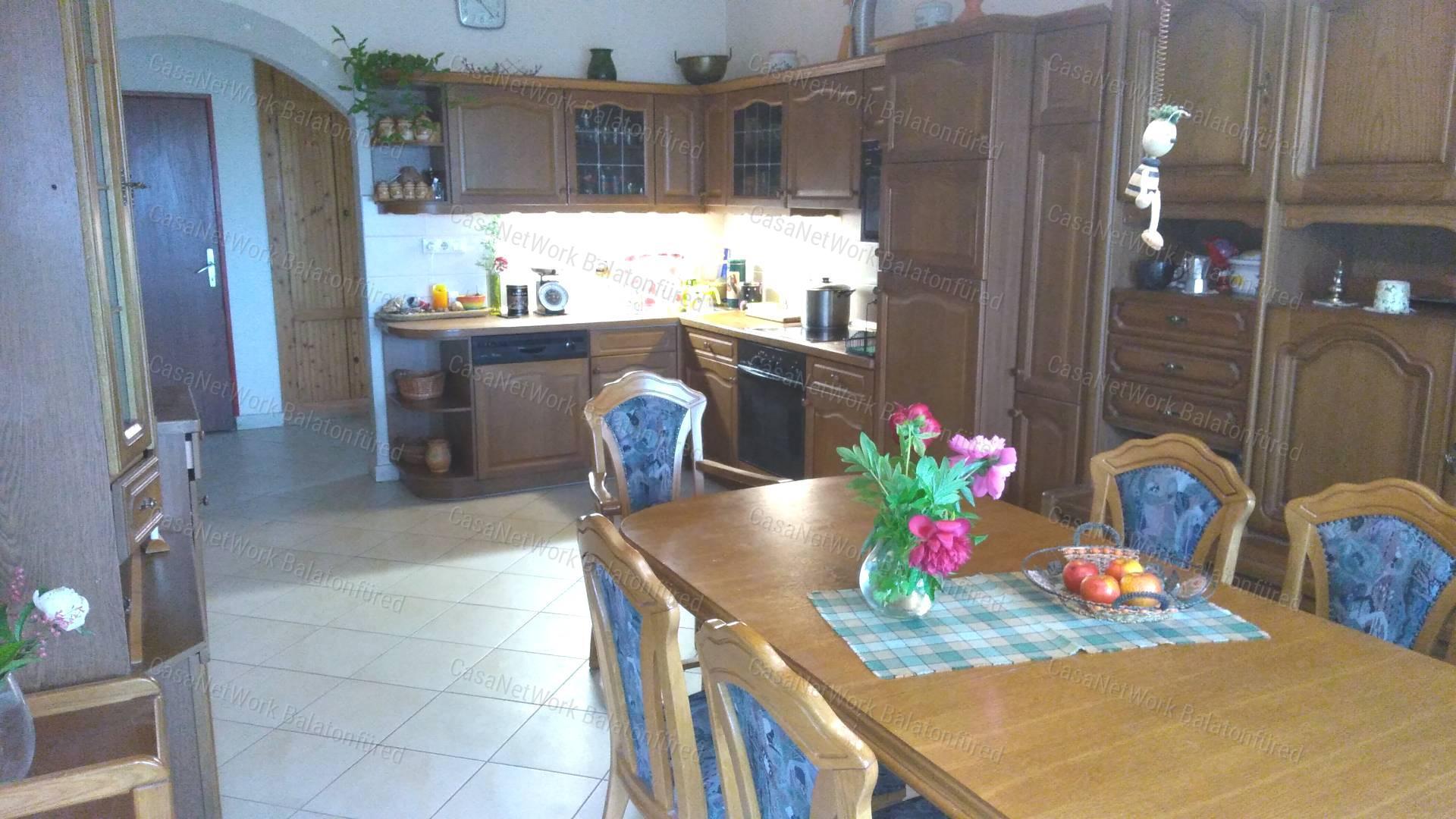 Eladó családi ház, Veszprém megye, Balatonfüred - sz.: 163801244 - CasaNetWork.hu