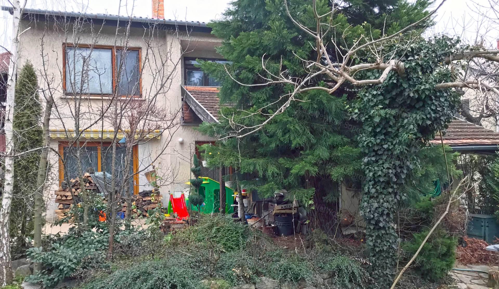Eladó családi ház, Győr-Moson-Sopron megye, Sopron (Alsólőverek) - sz.: 164301599 - CasaNetWork.hu