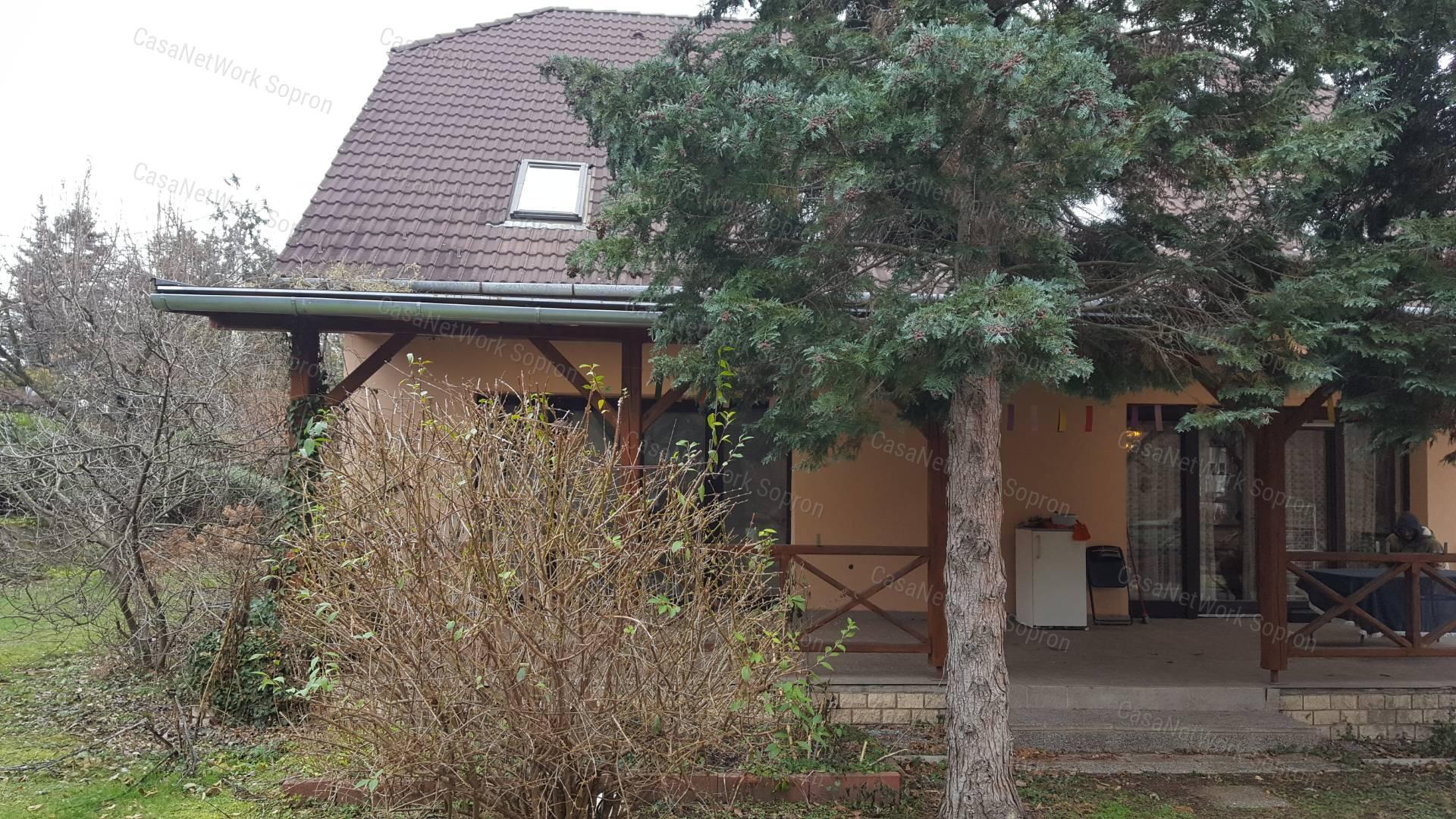 Eladó családi ház, Győr-Moson-Sopron megye, Sopron (Felsőlőverek) - sz.: 164301600 - CasaNetWork.hu