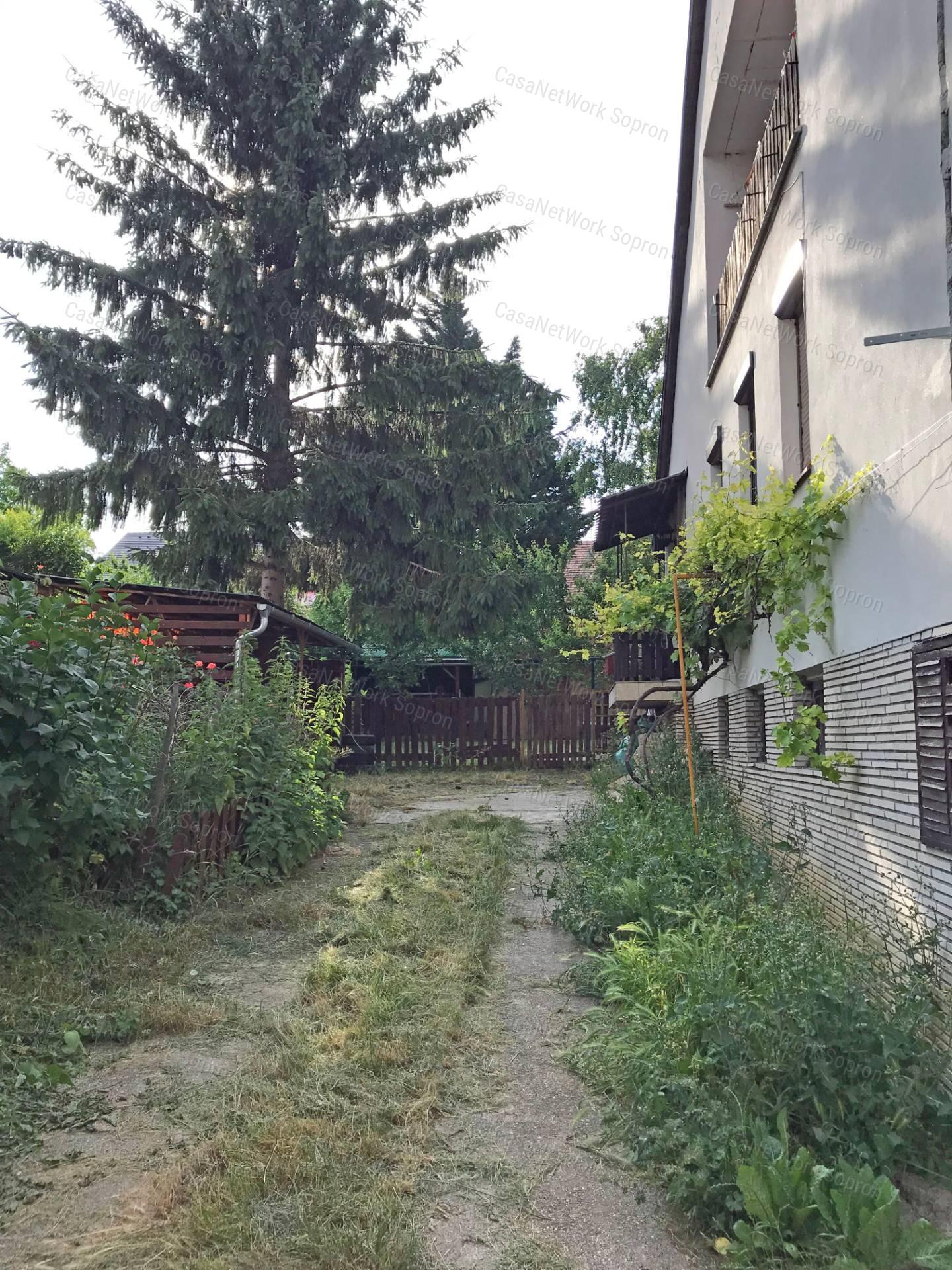 Eladó családi ház, Győr-Moson-Sopron megye, Sopron (Bánfalva) - sz.: 164301791 - CasaNetWork.hu