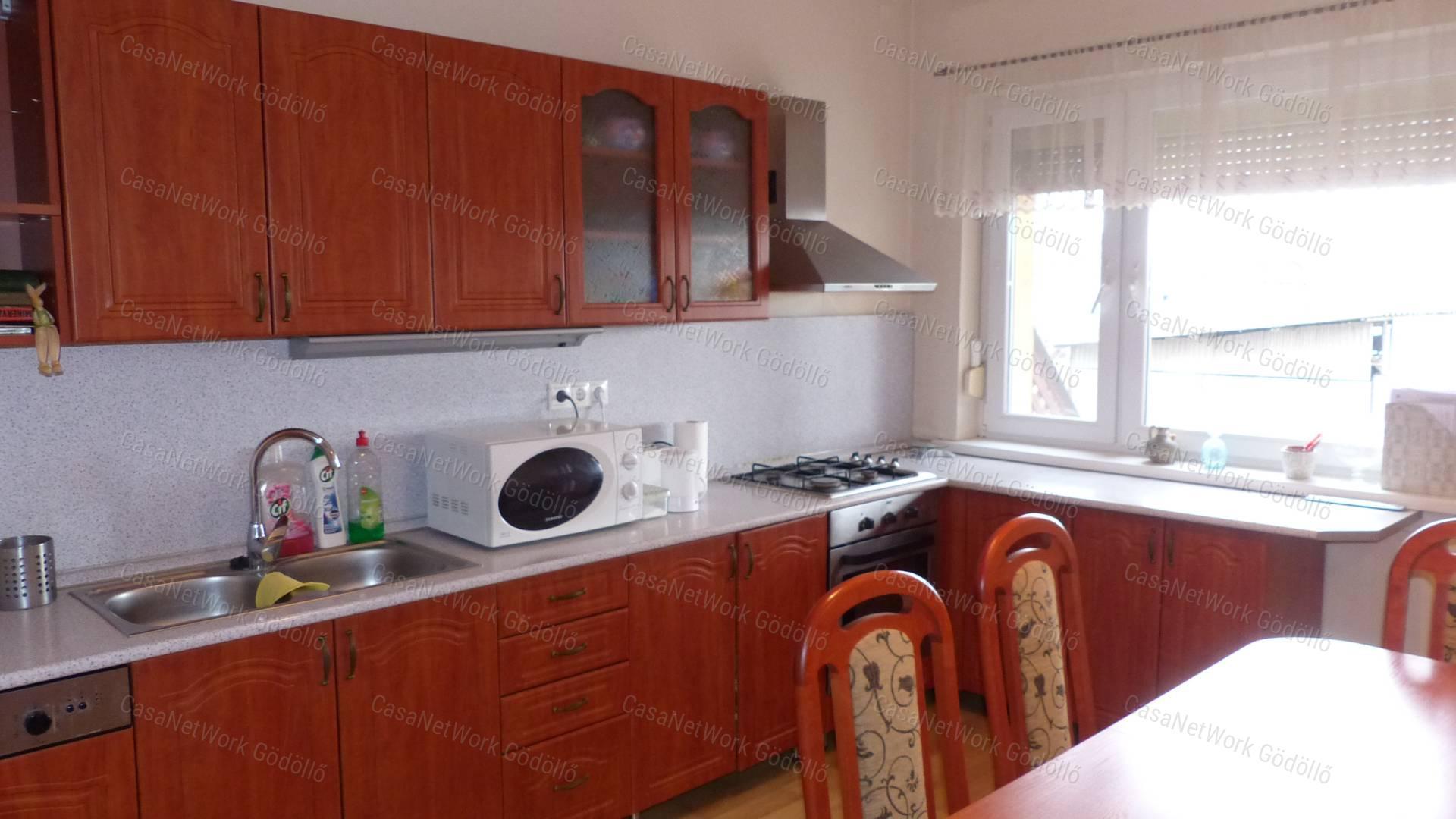 Eladó családi ház, Pest megye, Tura - sz.: 166400560 - CasaNetWork.hu