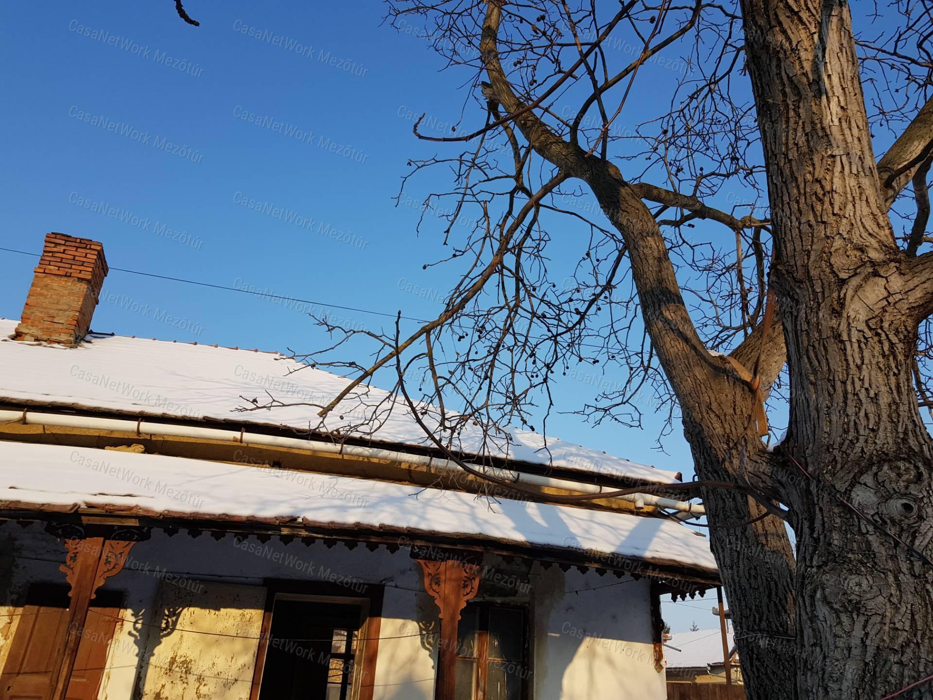 Eladó családi ház, Jász-Nagykun-Szolnok megye, Mezőtúr (Belváros) - sz.: 171500132 - CasaNetWork.hu