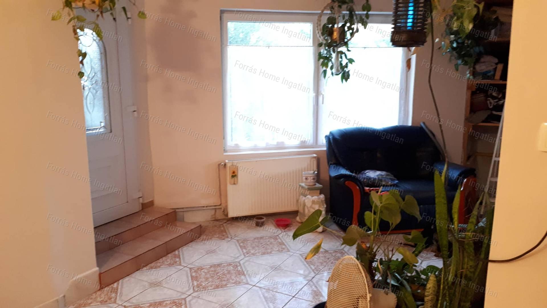 Eladó családi ház, Komárom-Esztergom megye, Tata (Tata) - sz.: 173900070 - CasaNetWork.hu