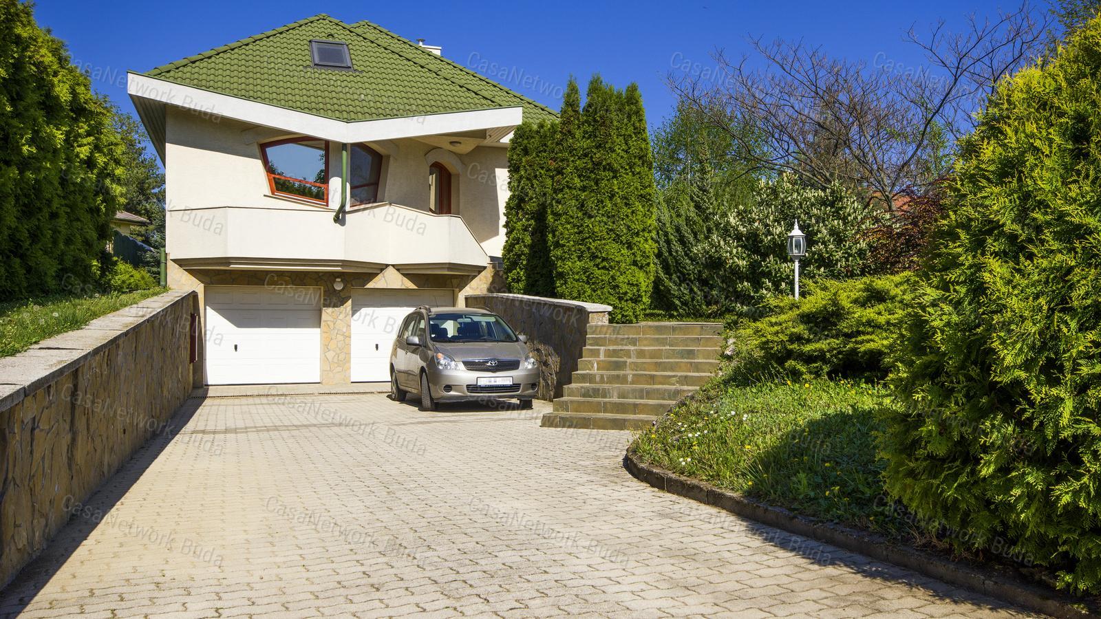 Eladó családi ház, Pest megye, Diósd - sz.: 181600014 - CasaNetWork.hu