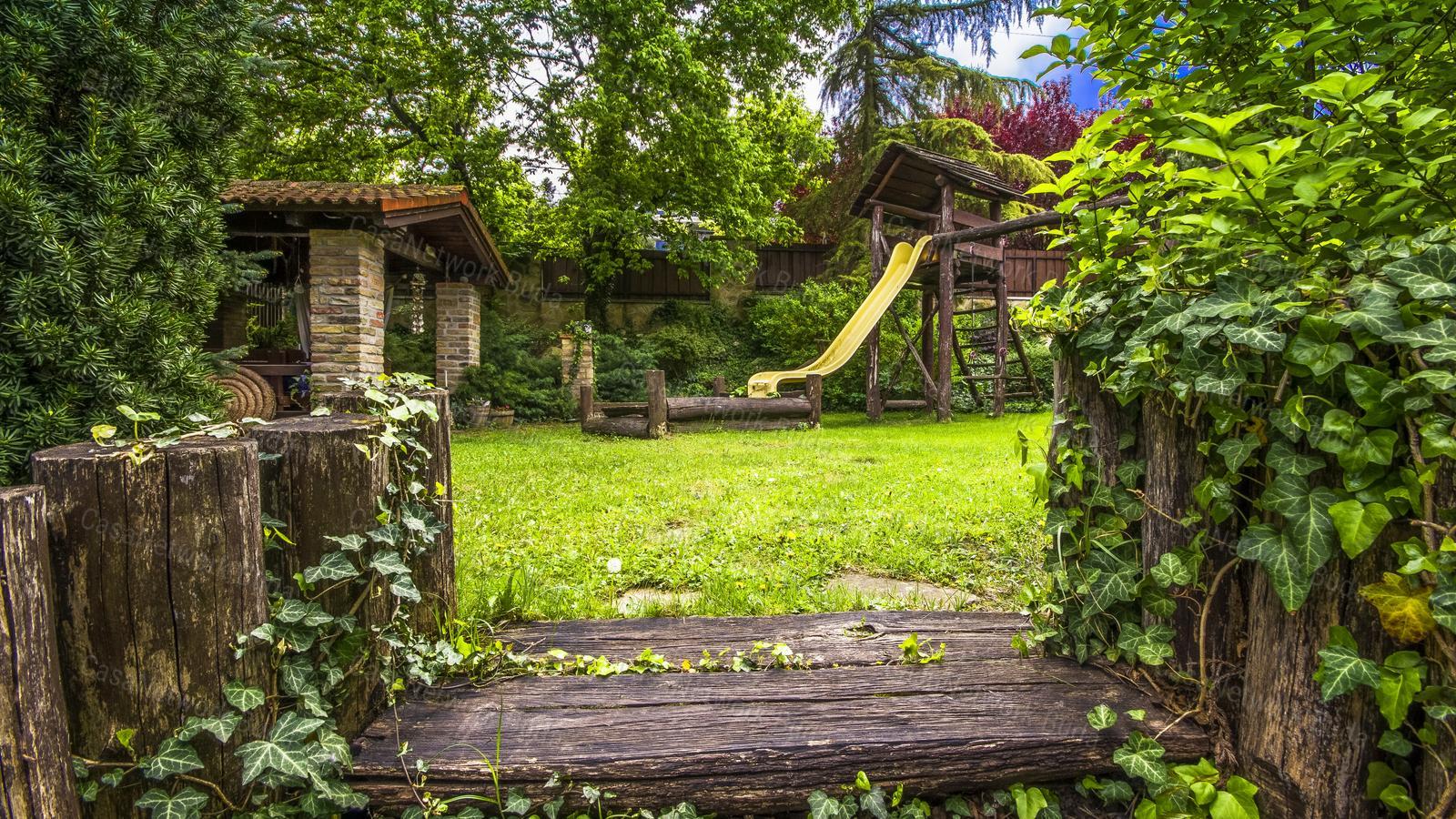 Eladó családi ház, Pest megye, Diósd - sz.: 181600116 - CasaNetWork.hu