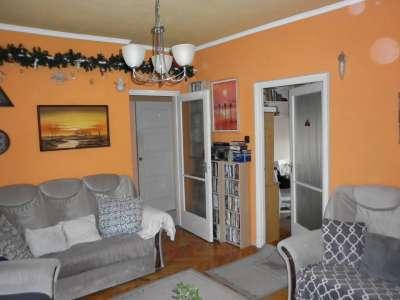 Szolnok belvárosában  3 szobás lakás eladó!