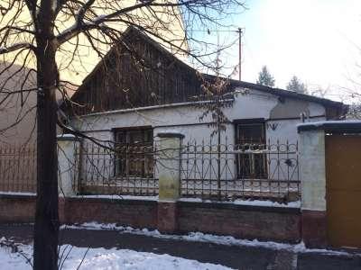 Szolnokon, építési telek elbontandó házzal eladó!!!