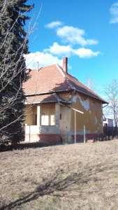 Kastély jellegű családi ház eladó Tiszaföldváron!