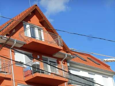 Szolnokon új épitésű tárásasházi lakás eladó