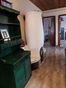 Többféle lehetőséget kínáló családi ház Szandaszőlősön eladó!