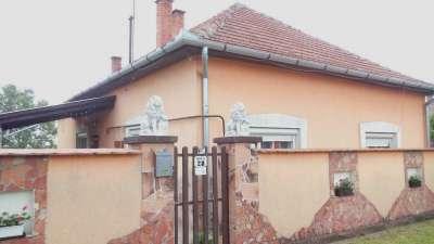 Eladó 3 szobás családi ház Tiszakürtön!