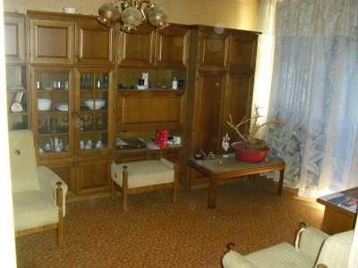 Szolnokon a Széchényi lakótelepen két szobás lakás eladó