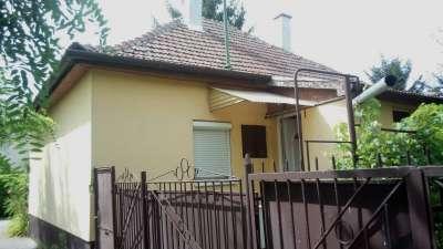 Eladó családi ház Szolnokon a Pletykafaluban!