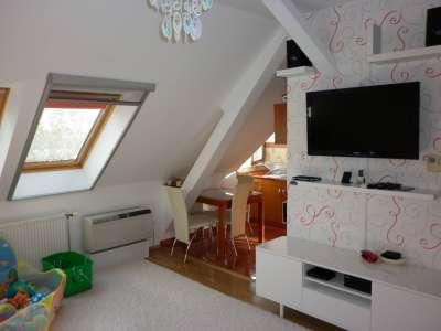Szolnokon 2 szobás igényesen kialakított lakás eladó!