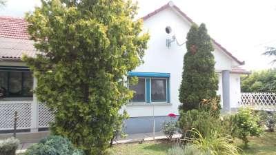 Több generációs családi ház eladó Tiszaföldváron!