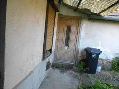 Szolnok belvárosában eladó egy 83 m2-es 3 szobás családi ház
