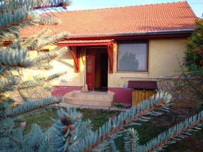 Eladó családi ház - Cibakháza / 1. kép