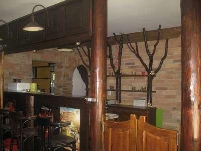 Hangulatos jól felszerelt étterem/családi ház Abony központjában