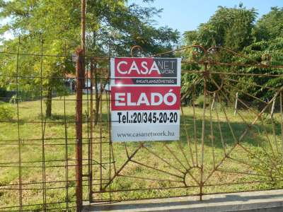 Abony város központjában akar új házban élni???