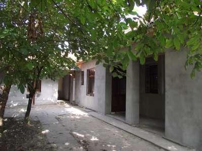 Eladó családi ház, ahol ki van alakítva az állattartás helye.
