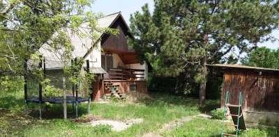 Eladó panorámás, 3 szobás nyaraló Balatonalmádiban