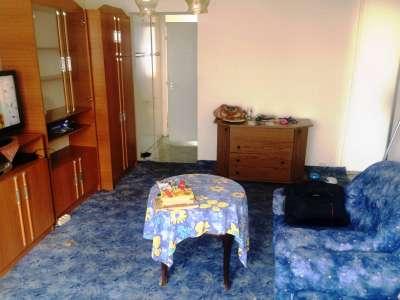 Eladó 1+2 szobás panellakás Veszprémben