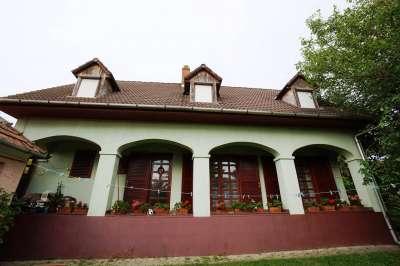 Eladó családi ház - Veszprém (Kádárta) / 1. kép