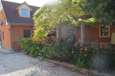 Eladó családi ház - Enying (Balatonbozsok) / 1. kép