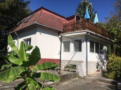 Eladó családi ház - Balatonfűzfő / 1. kép