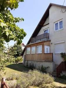 Eladó családi ház - Balatonakali / 1. kép