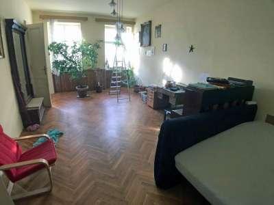 Várkerületen 2. emeleti lakás
