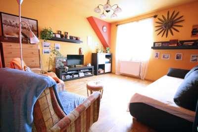 Ravazd utcai lakóparkban 2+2 fél szobás lakás