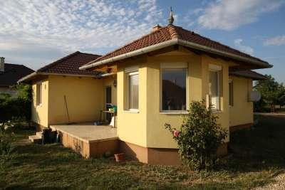 Egy szintes családi ház Lutzmannsburg és Bük között (Zsira)