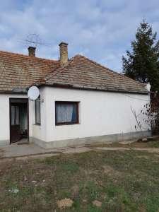 Eladó családi ház - Mórichida / 1. kép