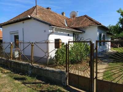 Eladó családi ház - Tiszaroff / 1. kép