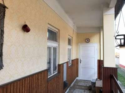 Eladó családi ház - Domony / 1. kép