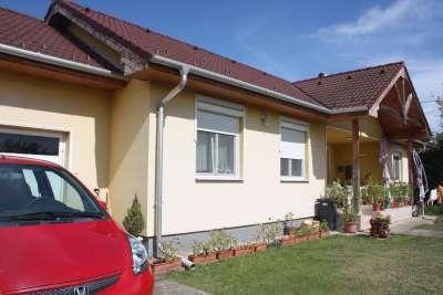 Eladó családi ház - Isaszeg / 1. kép
