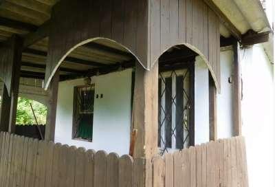 Panorámás zártkerti telek nyaralóval