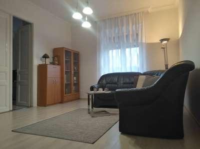 Győr-Nádorvárosban 80nm, első emeleti teljesen felújított lakás eladó.