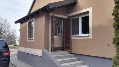 Felújított családi ház Ikrényben!
