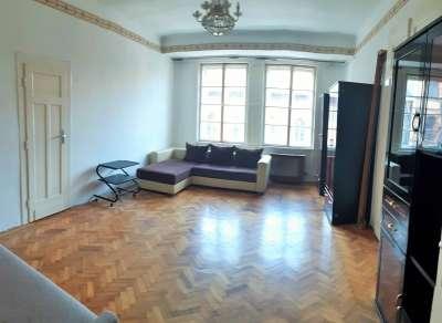 Tégla lakás a Népszínház utcában