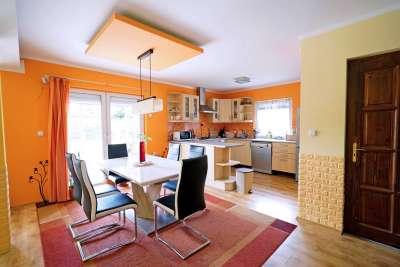 18. kerület egyik legszebb részén eladó 162 nm-es,újszerű családi ház!